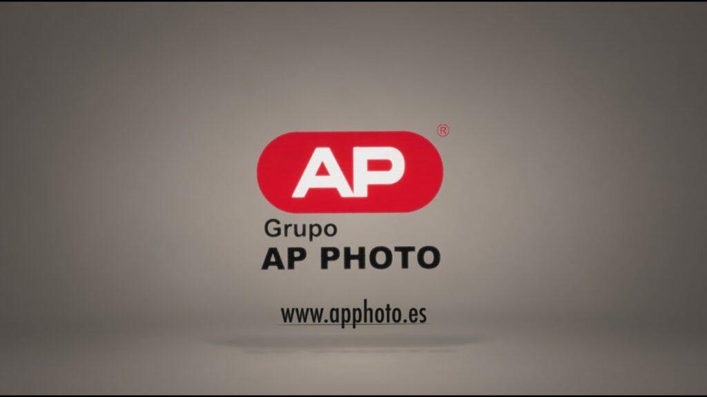 Distribuidor fotográfico de cámaras digitales, tarjetas memoria, trípodes, marcos